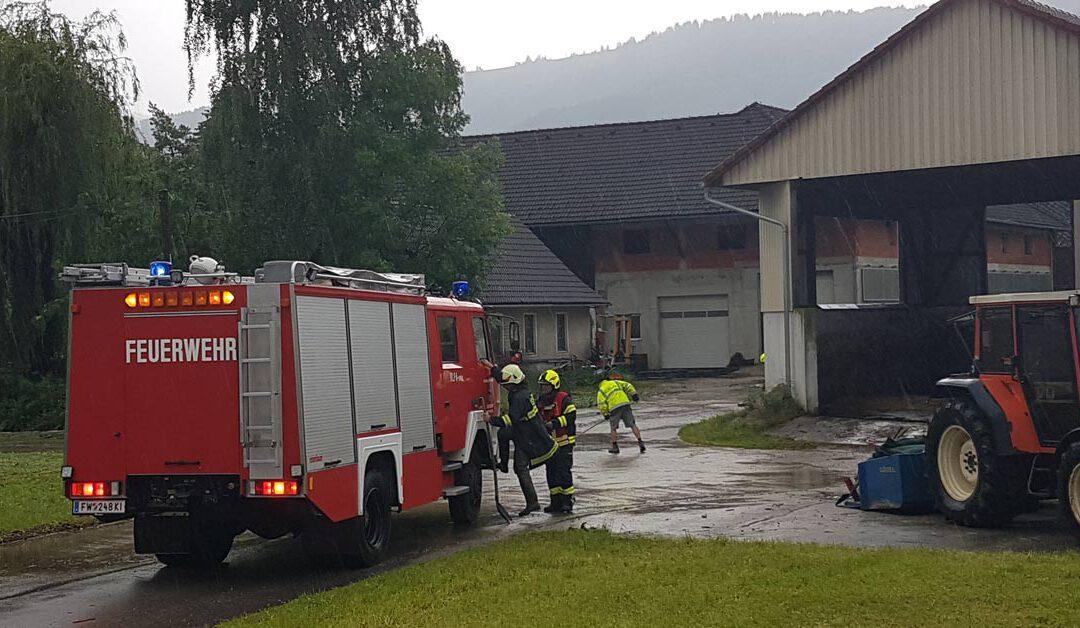 Überflutung in der Ortschaft Krems